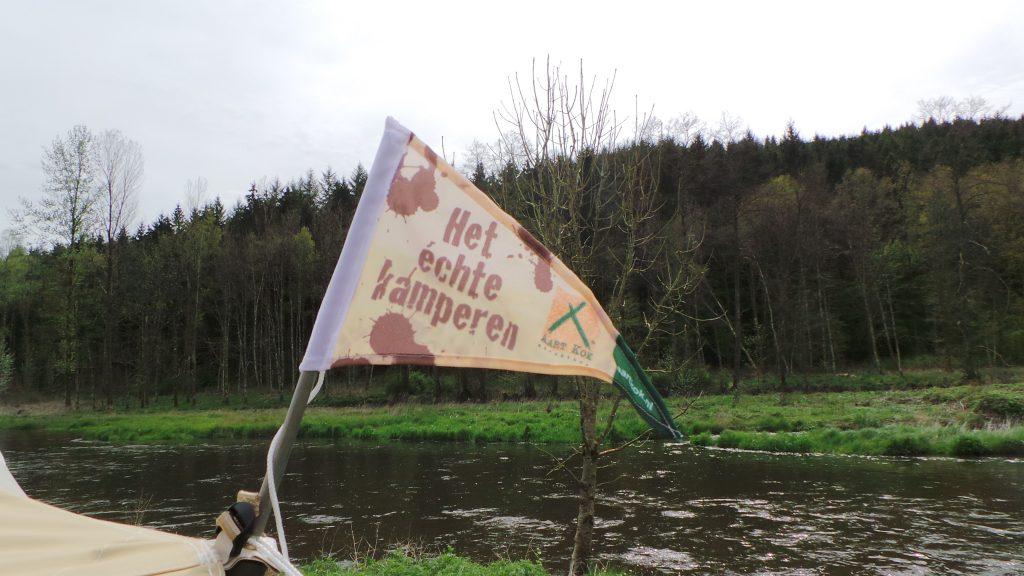 Het vlaggetje van Aart Kok vouwwagens