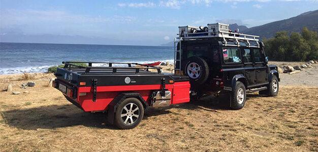 Rode Aart Kok Zambezi River Lodge hardtop vouwwagen met zwarte deksel