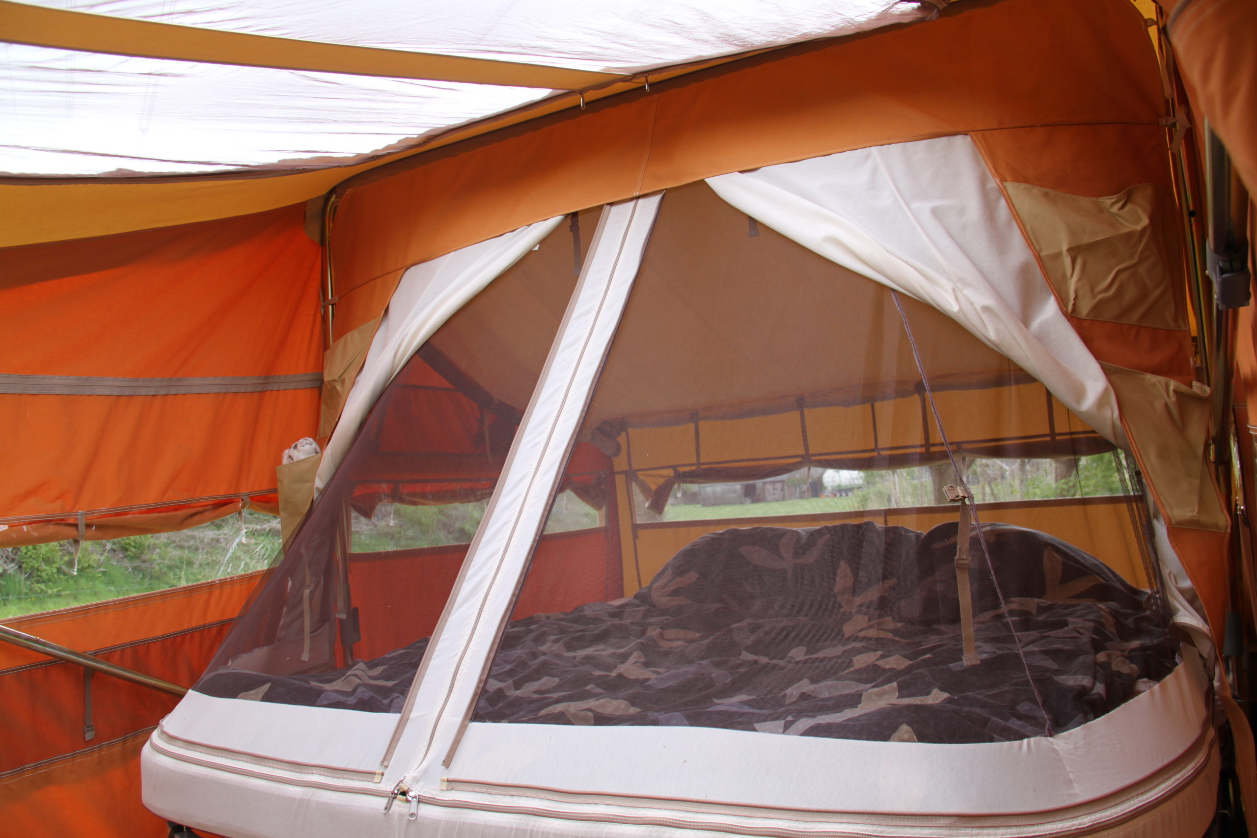 Aart Kok Livingstone Kingsize bed 220x220 cm vouwwagen kopen