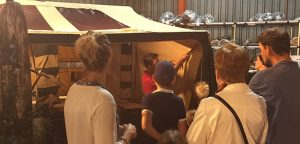 Demonstratie van vouwwagen bij Aart Kok Adventure Heemstede
