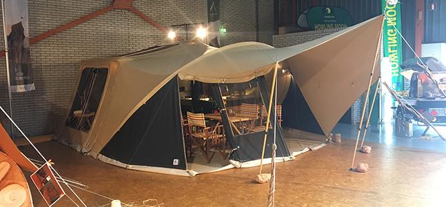 Aart Kok Livingstone River Lodge met boogluifel