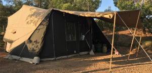 Aart Kok Kavango Game Drive vouwwagen op de camping in Frankrijk