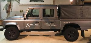Aart Kok Adventure Land Rover Defender met belettering