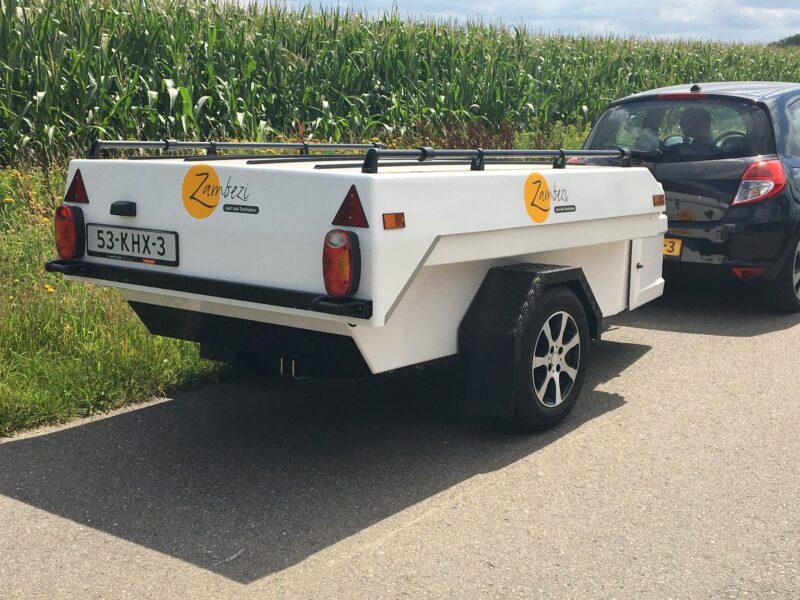 Zambezi Original wit achter auto