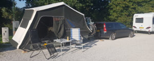 Aart Kok Zambezi Orignial tenttrailer op overnachtingscamping