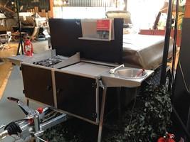 Hoe gaan we koken op vakantie met de vouwwagen: Aircraft Space Kitchen